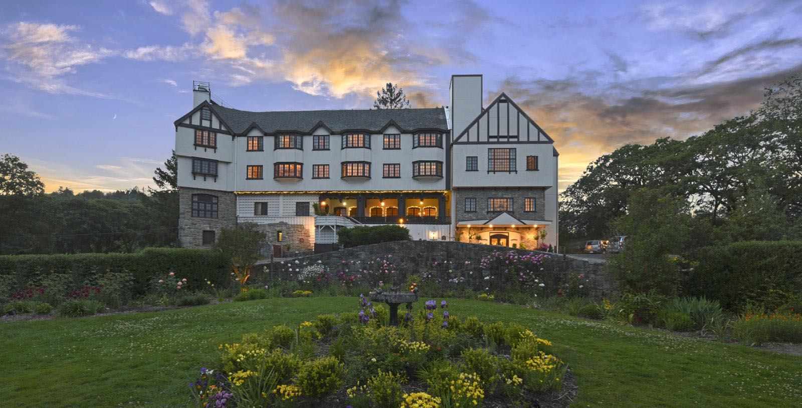 Image of Hotel Exterior in the Evening at Benbow Inn, 1926, Member of Historic Hotels of America, in Garberville, California, Special Offers, Discounted Rates, Families, Romantic Escape, Honeymoons, Anniversaries, Reunions