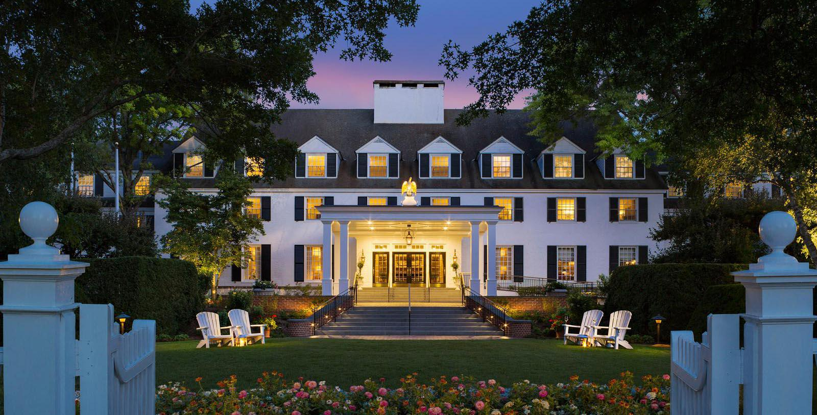 Image of hotel exterior Woodstock Inn & Resort, 1793, Member of Historic Hotels of America, in Woodstock, Vermont, Special Offers, Discounted Rates, Families, Romantic Escape, Honeymoons, Anniversaries, Reunions