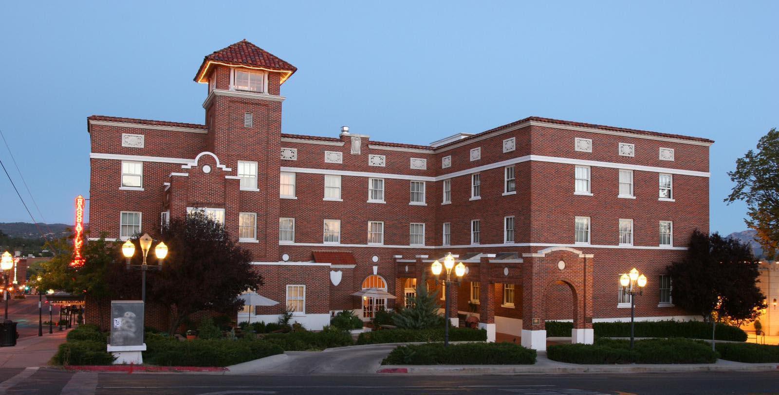 Image of hotel exterior Hassayampa Inn, 1927, Member of Historic Hotels of America, in Prescott, Arizona, Special Offers, Discounted Rates, Families, Romantic Escape, Honeymoons, Anniversaries, Reunions