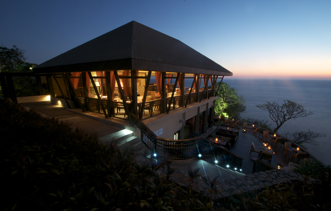 Dining:      Banyan Tree Cabo Marqués  in Acapulco
