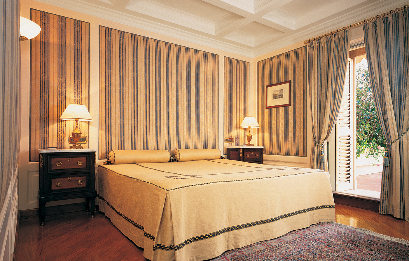 Accommodations:      Grand Hotel Santa Lucia  in Naples