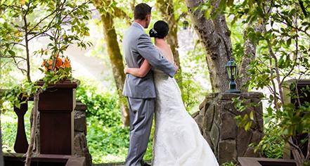 Weddings:      Benbow Inn  in Garberville