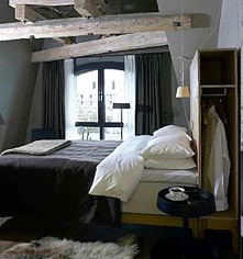 Accommodations:      Hotel Brosundet  in Alesund