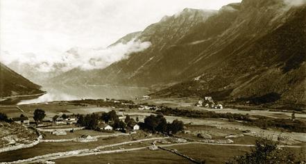 History:      Hotel Union Øye  in Norangsfjorden