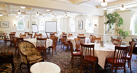 Weddings:      The Red Lion Inn  in Stockbridge