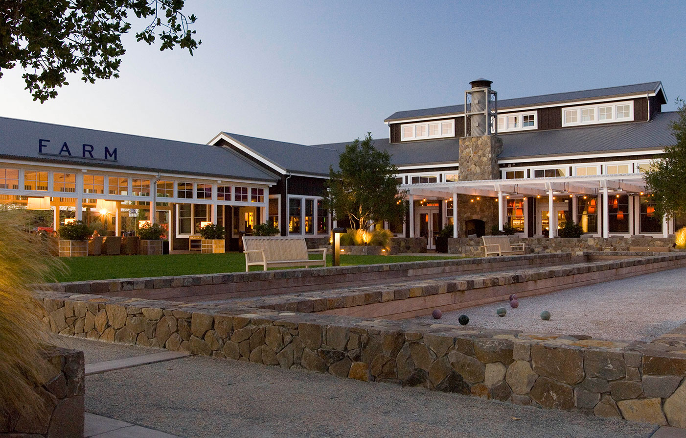 Hotel offers in napa california the carneros inn packages for The farm restaurant napa