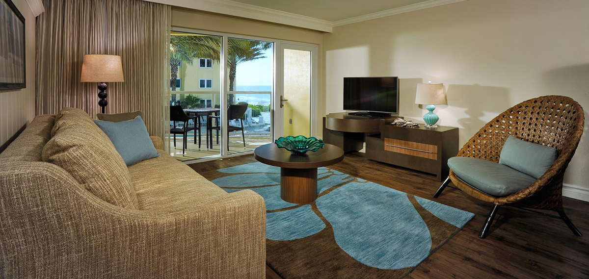 Accommodations:      Edgewater Beach Hotel  in Naples
