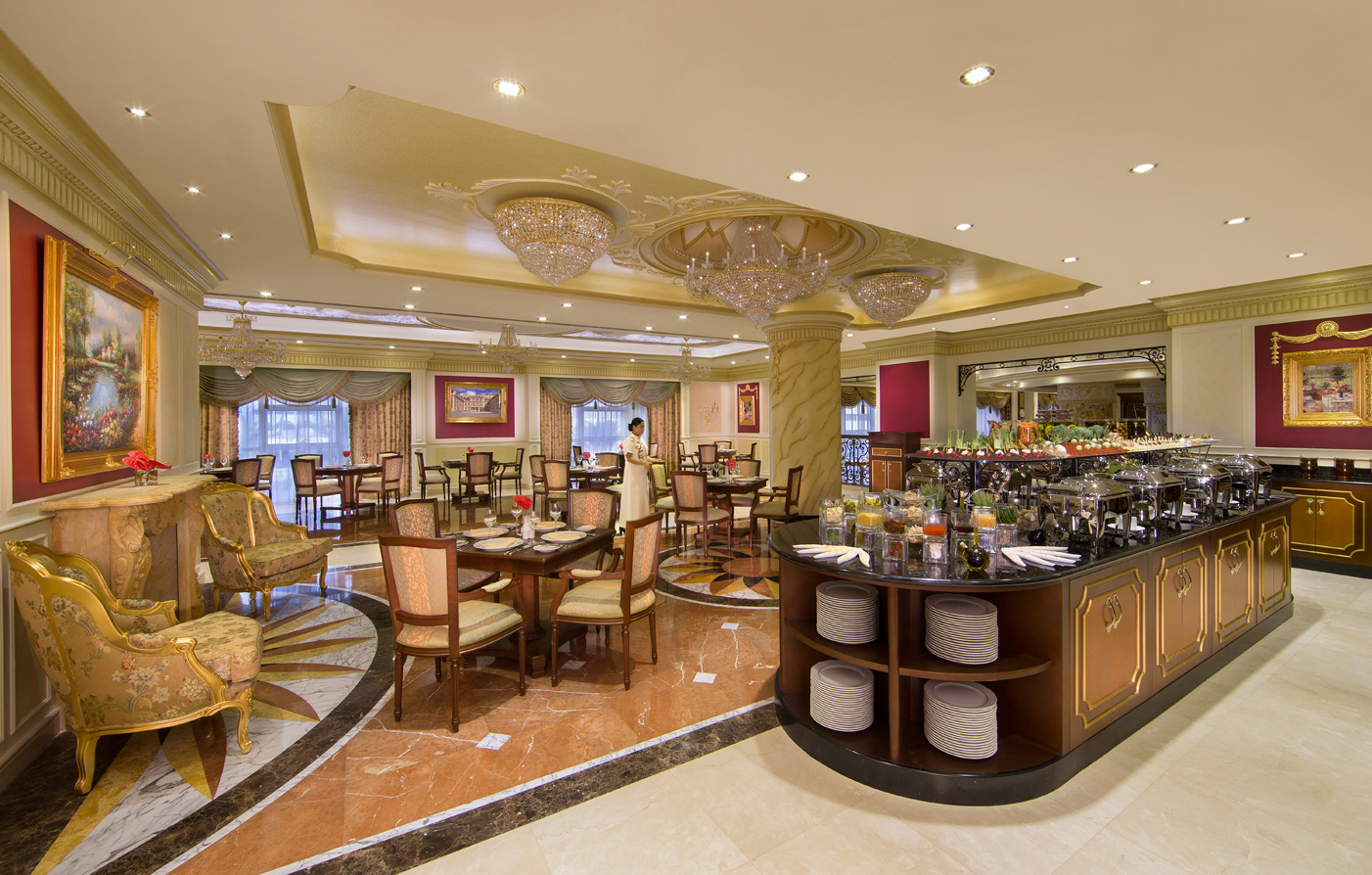 Dining:      Royal Rose Hotel  in Abu Dhabi