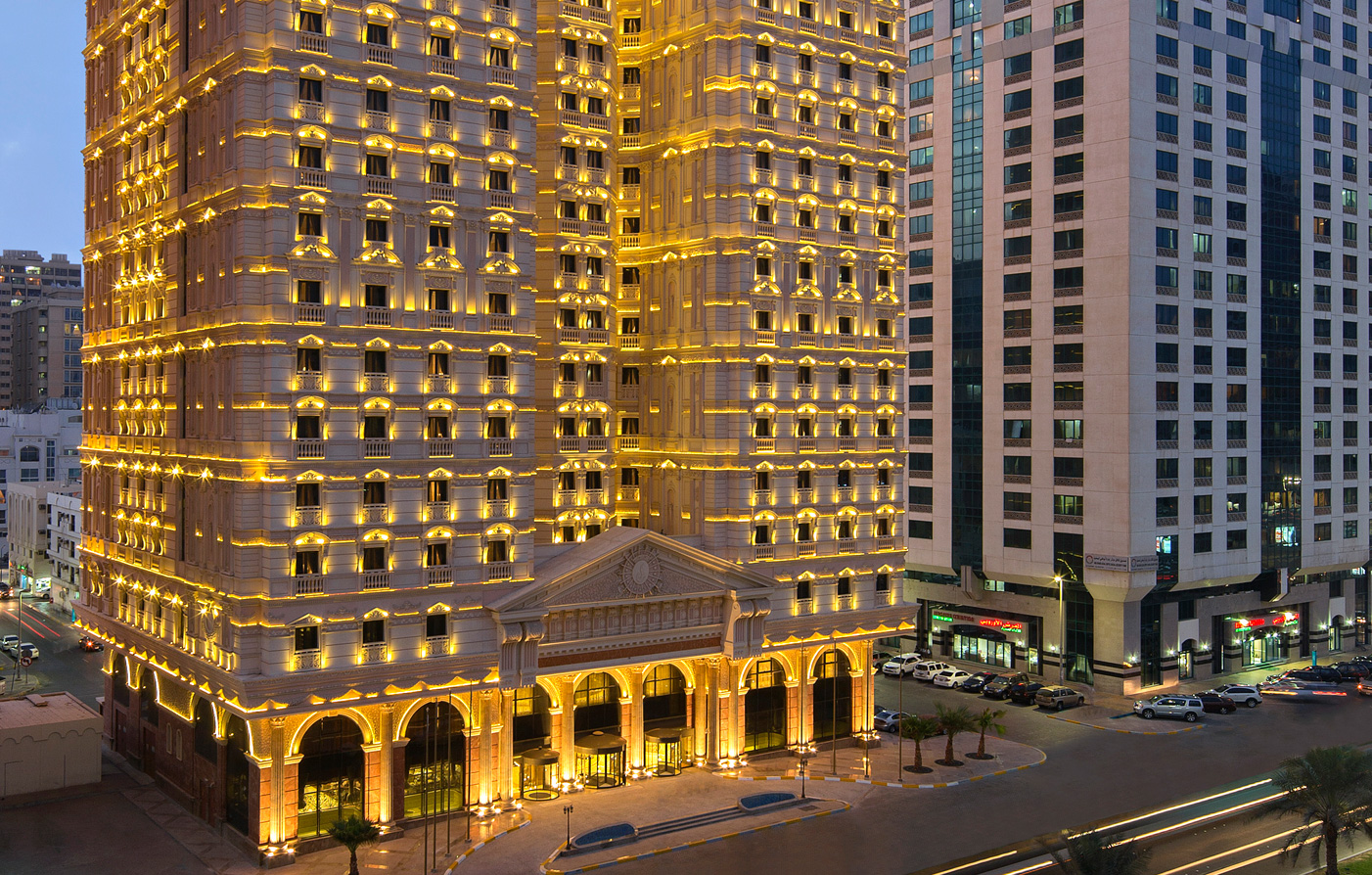 Luxury abu dhabi hotel royal rose hotel 5 star united for Hotel royal