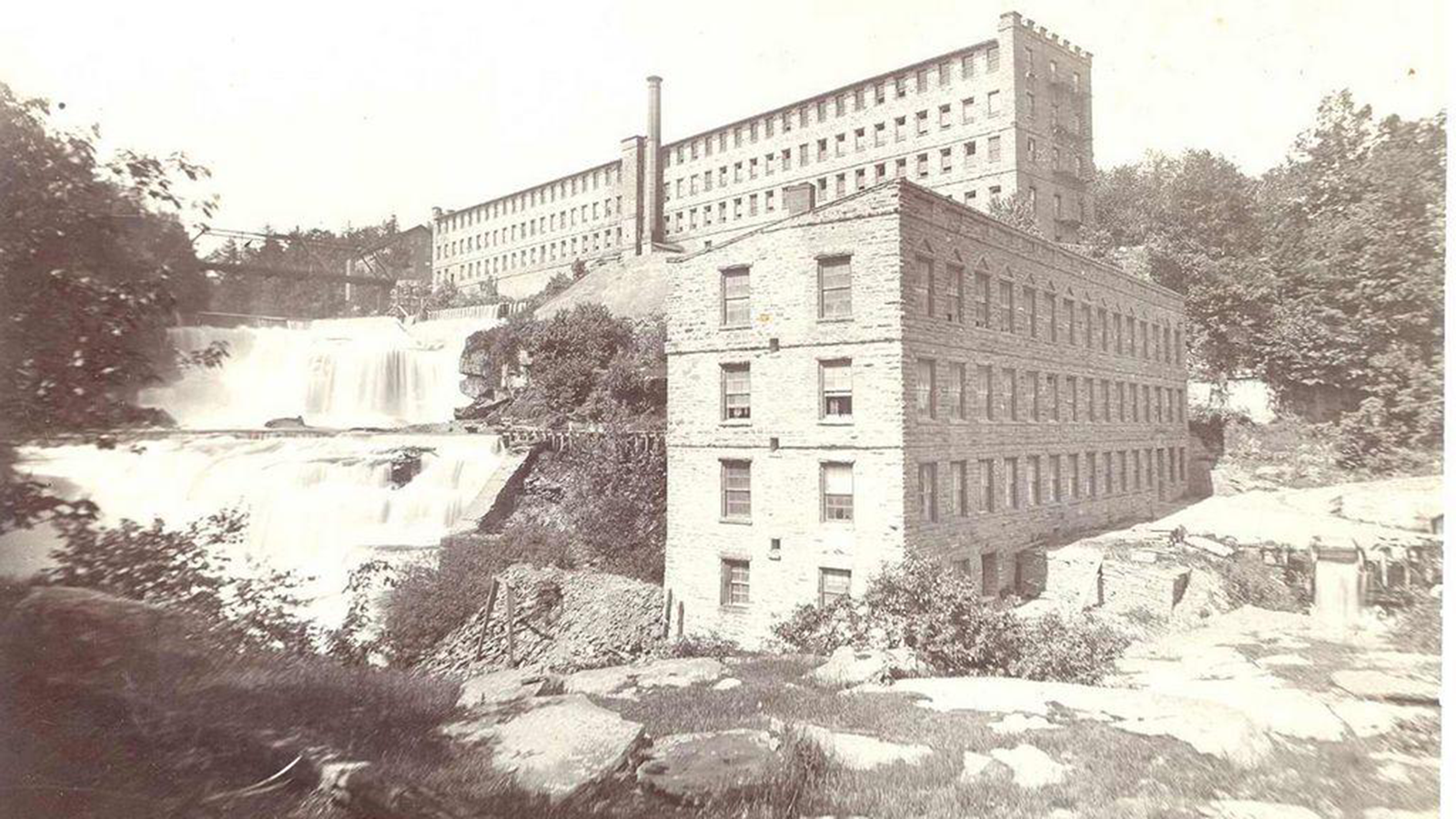 Image of Historic Exterior, Ledges Hotel in Hawley, Pennsylvania, 1890, Member of Historic Hotels of America, History