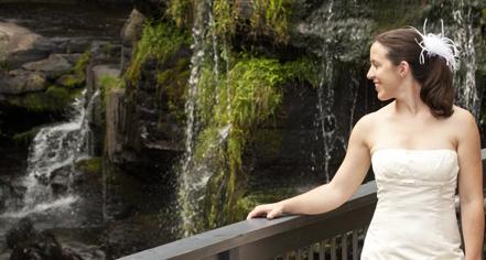 Weddings:      Ledges Hotel  in Hawley