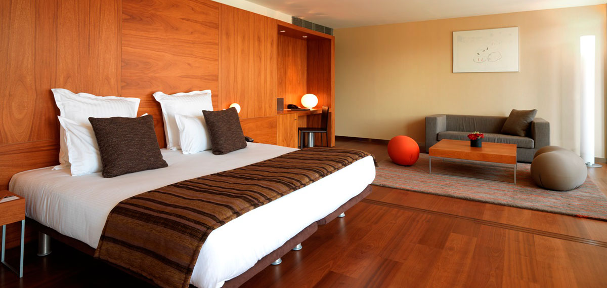 Accommodations:      Hotel Condes de Barcelona  in Barcelona