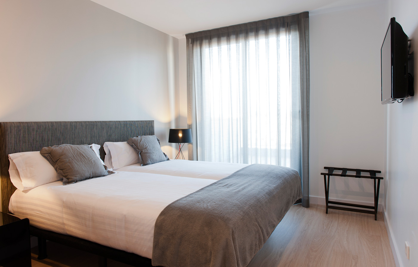 Accommodations:      MH Apartments Barcelona  in Barcelona