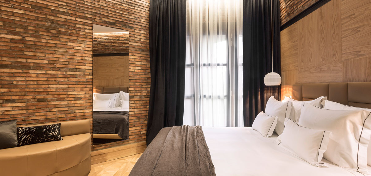 Accommodations:      Monument Hotel  in Barcelona