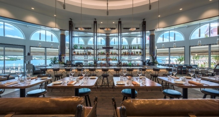 Dining at      Hamilton Princess & Beach Club, A Fairmont Managed Hotel  in Hamilton