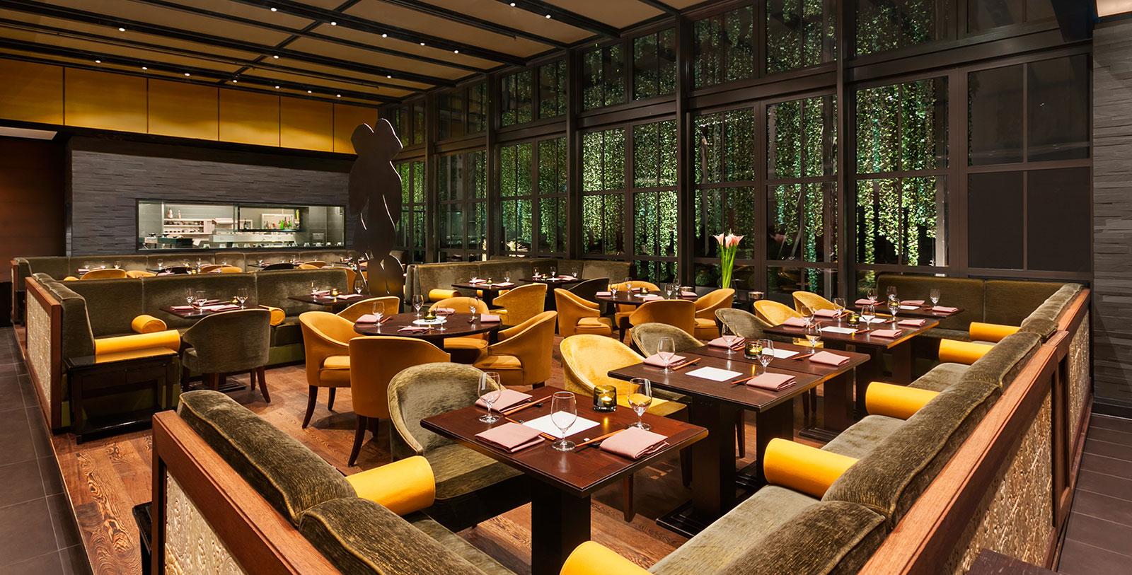 Image of Sra Bua Dining Room, Hotel Adlon Kempinski, Berlin, Germany, 1907, Member of Historic Hotels Worldwide, Dining