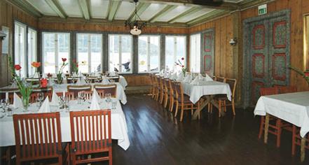 Dining at      Utne Hotel  in Utne