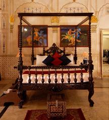 Accommodations:      Laxmi Niwas Palace  in Bikaner