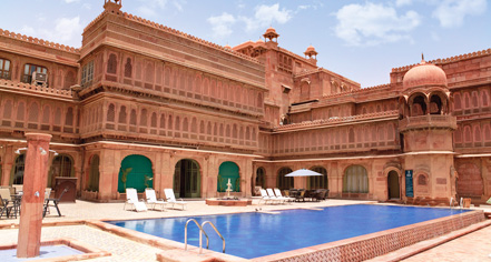 Activities:      Laxmi Niwas Palace  in Bikaner