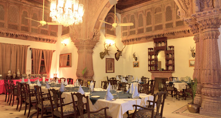 Dining at      Laxmi Niwas Palace  in Bikaner