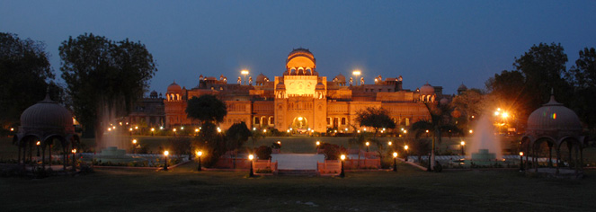 Local Attractions:      Laxmi Niwas Palace  in Bikaner
