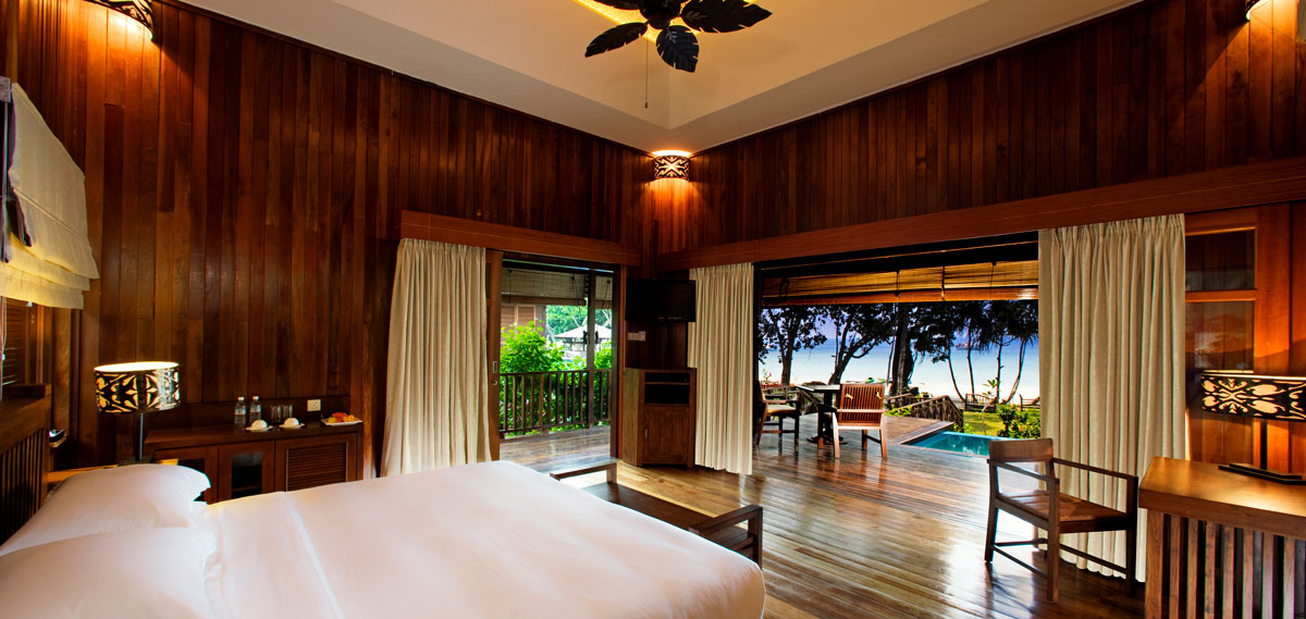 Accommodations:      Bungaraya Island Resort  in Kota Kinabalu