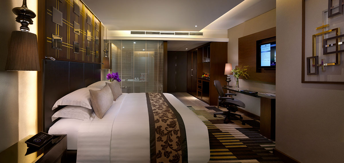 Accommodations:      The Landmark Bangkok  in Bangkok
