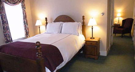 Accommodations:      Eagle Mountain House  in Jackson