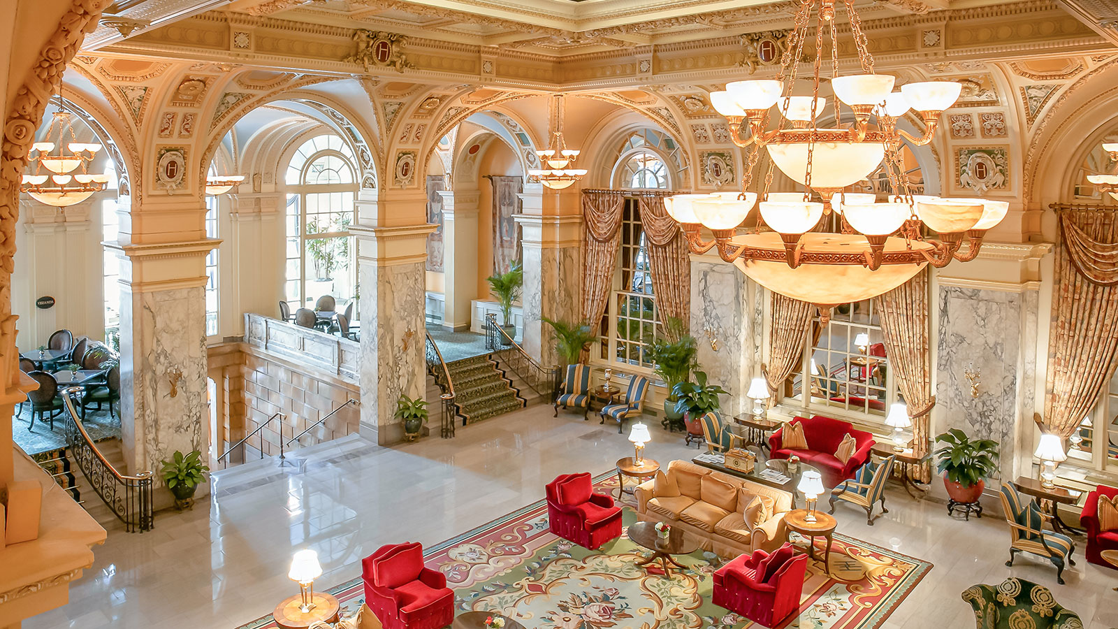 Discover The Hermitage Hotel's wonderfully preserved historic façade.