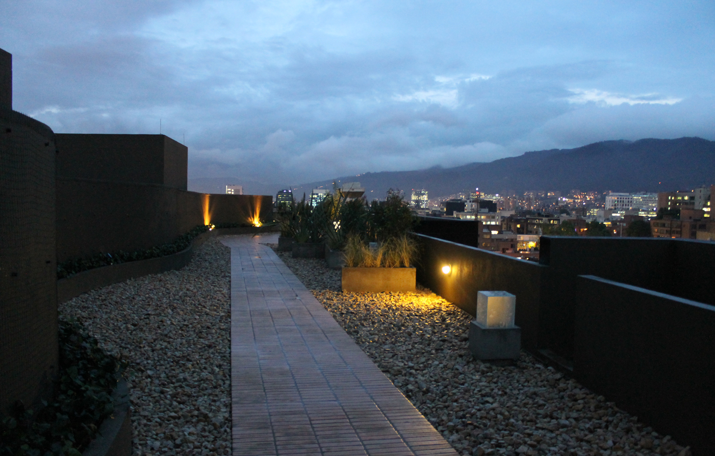 Customer Reviews:      93 Luxury Suites & Residences  in Bogota