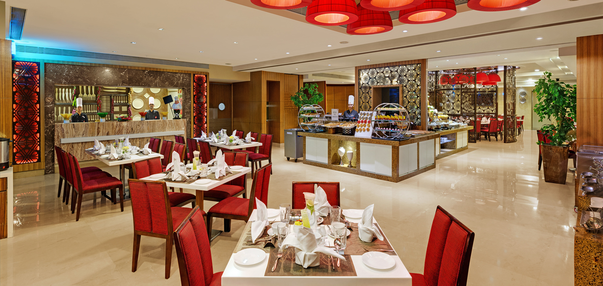 Dining:      Express Inn Nashik  in Nashik
