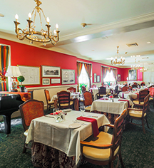 Dining at      Hawthorne Hotel  in Salem
