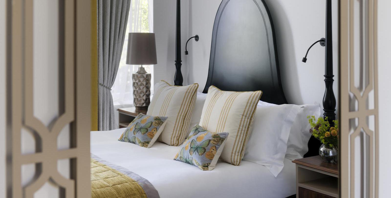Image of Guestroom Interior Queens Hotel Cheltenham, 1838, Member of Historic Hotels Worldwide, Cheltenham, England, Location