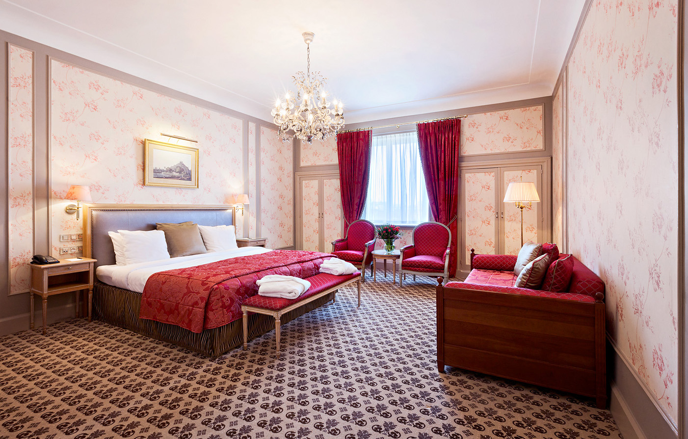 Accommodations:      Hotel Metropole  in Brussels