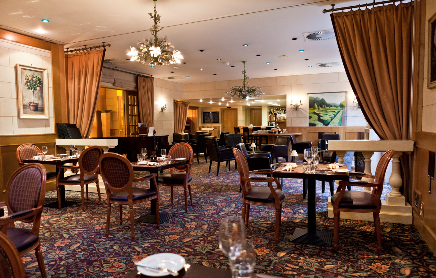 Dining:      Le Chatelain Boutique Hotel  in Brussels