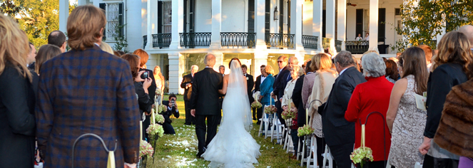 Weddings:      Nottoway Plantation and Resort  in White Castle