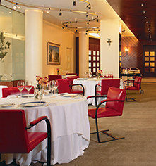 Dining at      Alvear Palace Hotel  in Buenos Aires