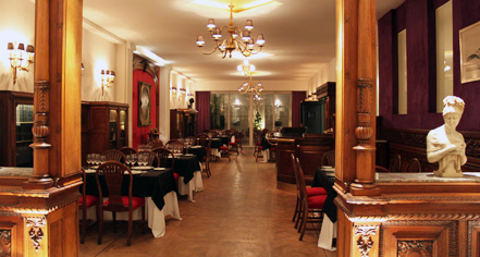 Dining at      Hotel Club Francés Buenos Aires  in Buenos Aires