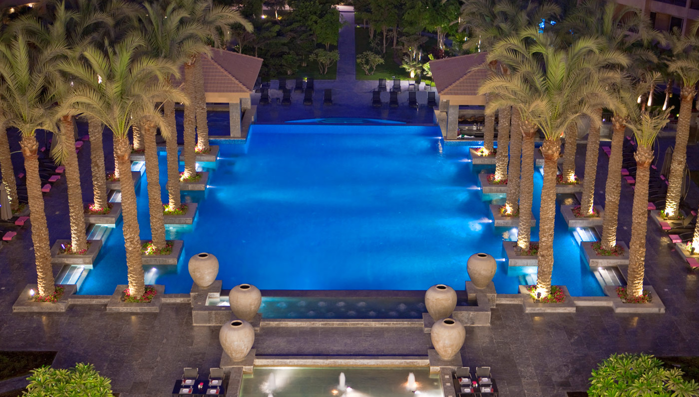 Accommodations:      Dusit Thani LakeView Cairo  in Cairo