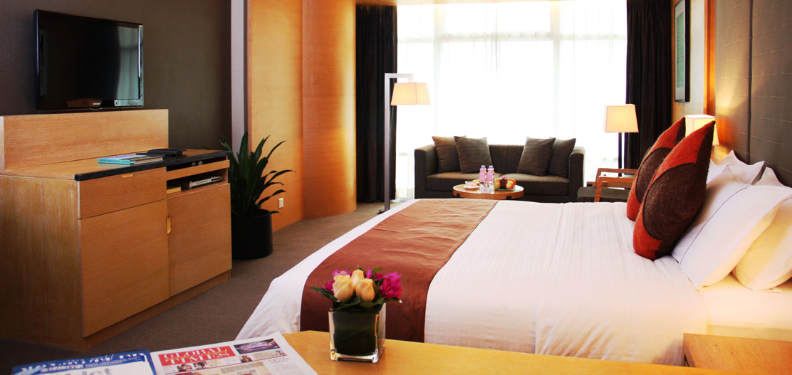 Accommodations:      Guangzhou Jianguo Hotel  in Guangzhou