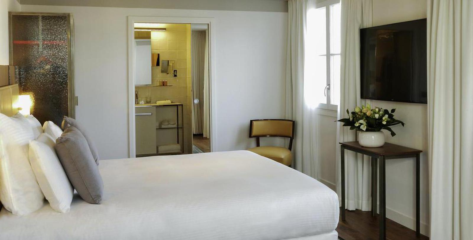Image of Guestroom Interior Hôtel Paris Bastille Boutet - MGallery by Sofitel, 1926, Member of Historic Hotels Worldwide, in Paris, France, Location