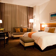 Book a stay with Hotel Arista in Naperville