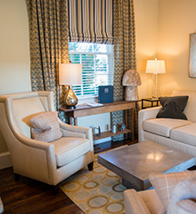 Accommodations:      Inn at Willow Grove  in Orange