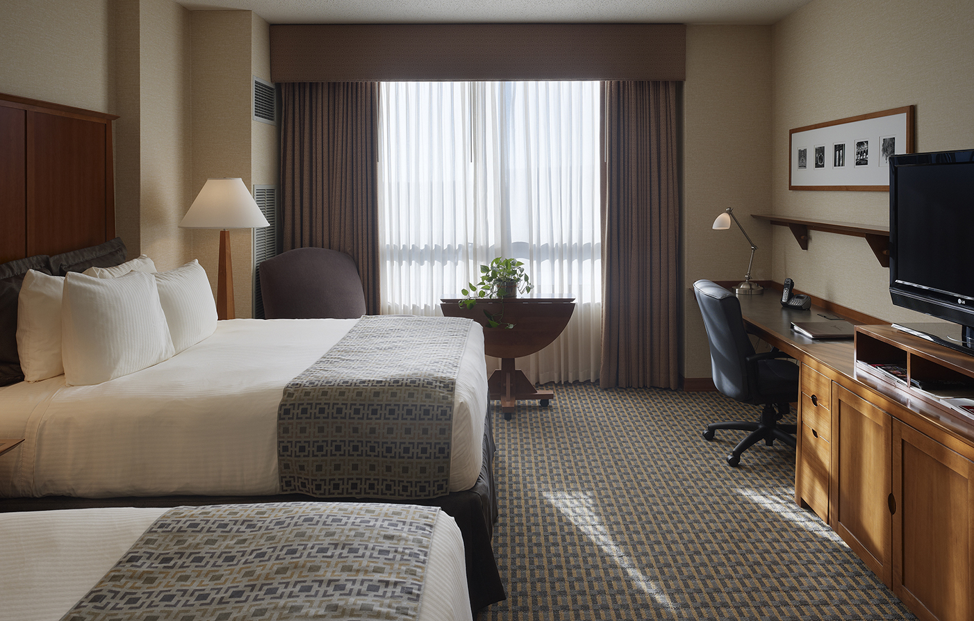 Accommodations:      The Blackwell Inn and Pfahl Conference Center  in Columbus