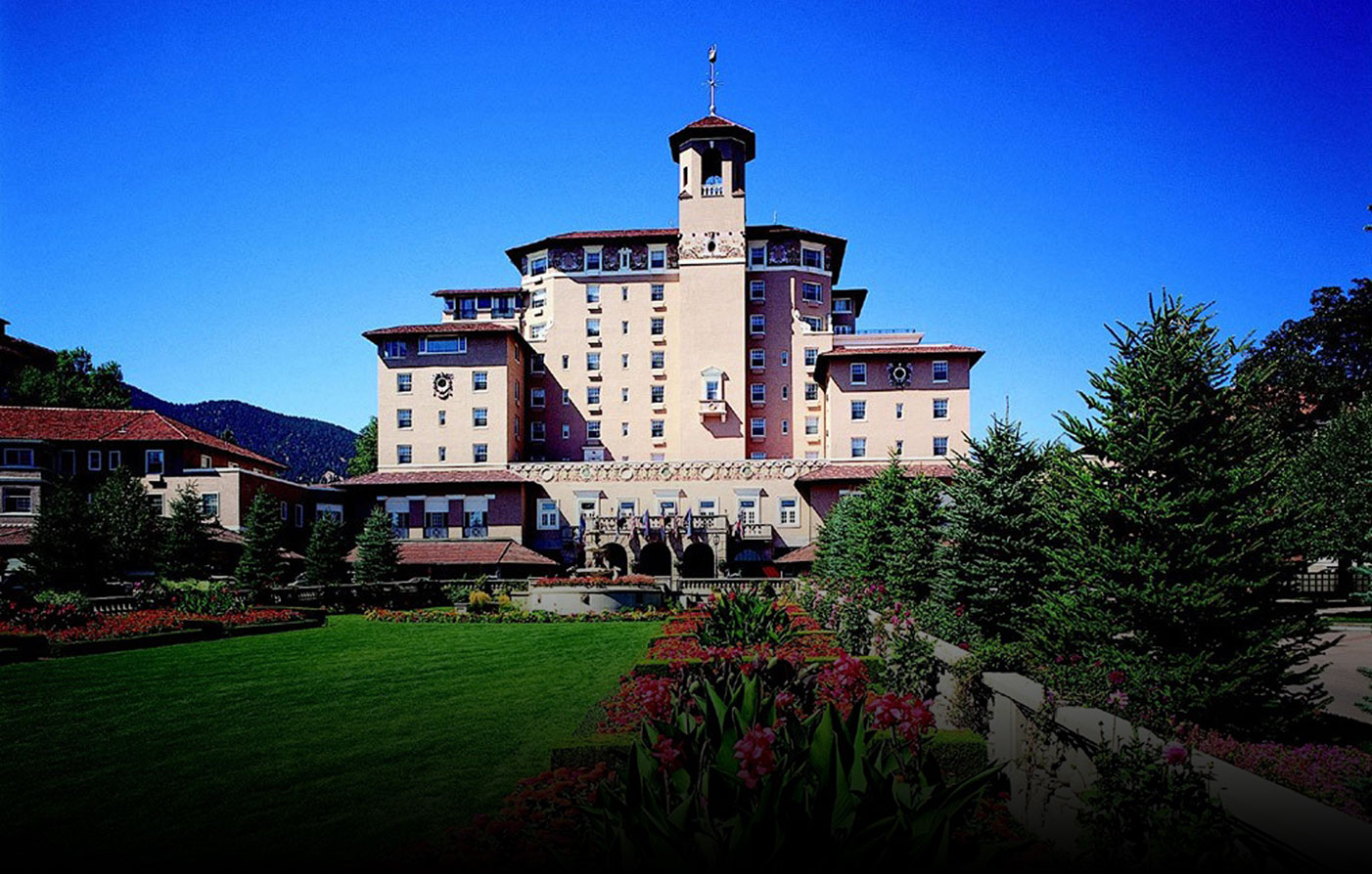 Shuttle From Denver Airport To Broadmoor Hotel