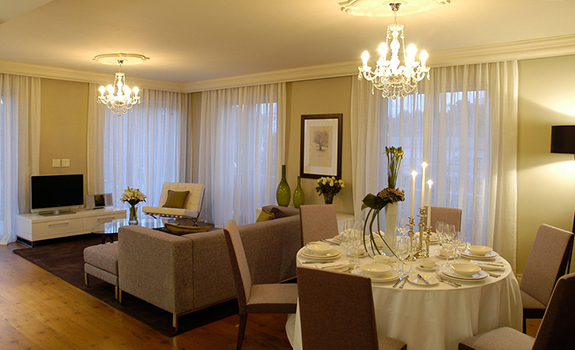 Cape Royale Luxury Hotel & Residence  - Dining