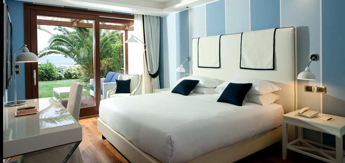 Accommodations:      La Plage Resort  in Taormina