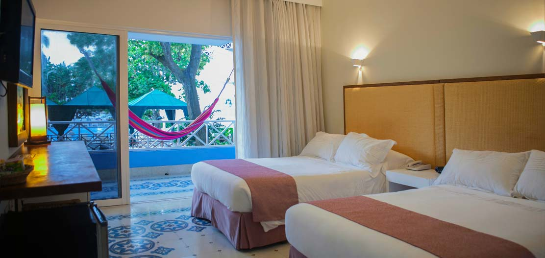Accommodations:      Hotel Las Americas Casa de Playa  in Cartagena de Indias