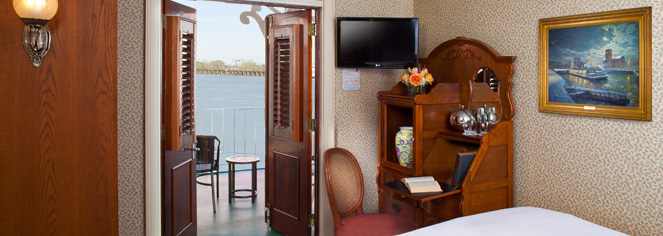 American Queen Steamboat Company – Ohio & Tennessee River Cruises  in Cincinnati