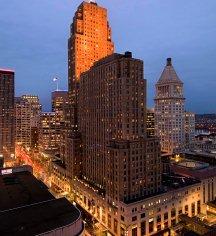 Local Attractions:      Hilton Cincinnati Netherland Plaza  in Cincinnati